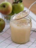 Compote de pommes faite maison Photo libre de droits