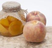 Compote van perziken Royalty-vrije Stock Afbeeldingen