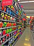 Compra bolas de futebol Fotos de Stock Royalty Free