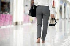 Compra com os pés descalços Foto de Stock