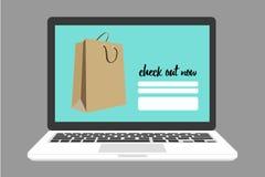 A compra em linha na verificação para fora pagina com saco de compras Imagens de Stock