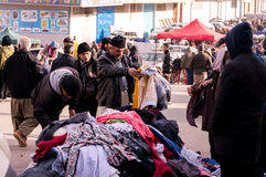 Compra iraquiana do homem para a roupa Fotos de Stock