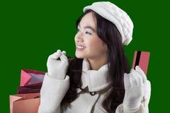 Comprador alegre con la tarjeta de crédito Imágenes de archivo libres de regalías