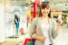 Comprador con la tarjeta de crédito Foto de archivo libre de regalías