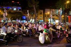 Compradores de la Navidad en Vietnam Imágenes de archivo libres de regalías