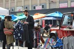 Compradores en Smorgasburg, Los Ángeles Fotos de archivo libres de regalías