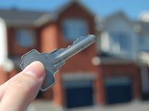 Comprando uma casa imagens de stock royalty free