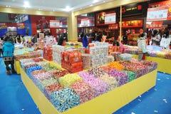 Compras chinas del Año Nuevo en chengdu Imágenes de archivo libres de regalías