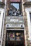 Compras de Beatles en calle del mathew de Liverpool Fotografía de archivo