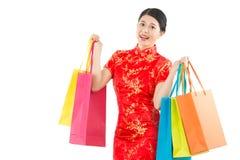 Compras de la mujer en Año Nuevo chino Imagen de archivo