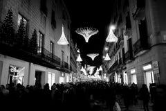 Compras de la Navidad en Barcelona Fotos de archivo