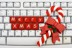 Compras de la Navidad en el Internet Foto de archivo libre de regalías