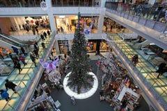 Compras de la Navidad en Moscú Foto de archivo libre de regalías