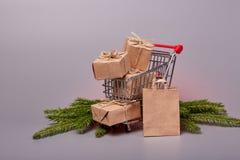 Compras de la Navidad y del Año Nuevo Fotos de archivo