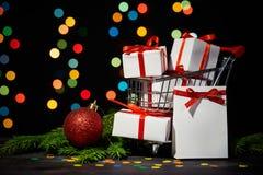 Compras de la Navidad y del Año Nuevo Imágenes de archivo libres de regalías