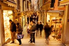 Compras de Venecia fotografía de archivo libre de regalías