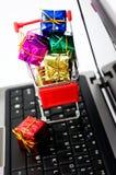 Compras en línea Imagen de archivo libre de regalías