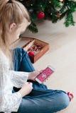 Compras en línea para la Navidad Foto de archivo