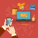 Compras móviles de las compras del comercio electrónico del concepto de la venta en línea de las cupones Imagen de archivo