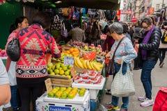 Compre frutas e legumes na manhã, o mercado de Hong Kong Fotografia de Stock