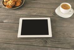 Compressa bianca con lo schermo in bianco Fotografia Stock
