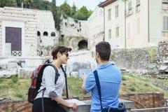 Compressa delle coppie dei turisti Fotografia Stock Libera da Diritti