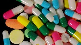 Compresse e pillole per il farmaco stock footage