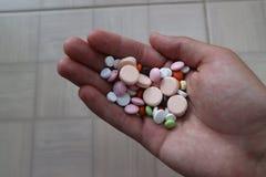 Compresse medicinali e droghe per il trattamento delle malattie Fotografia Stock