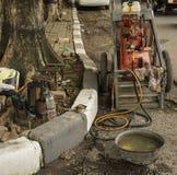 Compressor e água de ar usados geralmente para remendar um pneu Semarang recolhido foto Indonésia imagens de stock