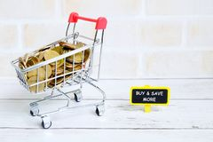 Compri e conservi più Fotografia Stock Libera da Diritti