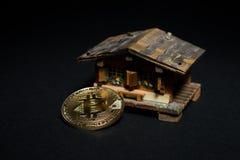 Compri e vendi il bene immobile per il concetto dei bitcoins Fotografia Stock