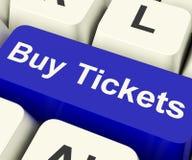 Compri il tasto del computer dei biglietti che mostra l'ammissione P di festival o di concerto Immagini Stock