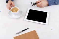 Comprimé blanc avec un écran vide Image stock