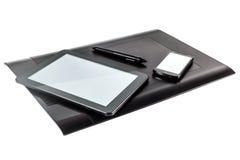 Comprimé, je-protection et téléphone graphiques de stylo Photo stock