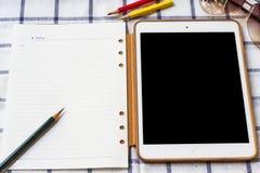 Comprimés sur un fond blanc Photos libres de droits