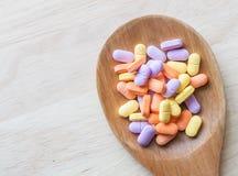 Comprimidos da vitamina Imagens de Stock