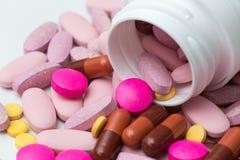 Comprimidos e cápsulas Fotografia de Stock Royalty Free