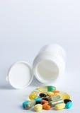 Comprimidos e frasco Foto de Stock Royalty Free