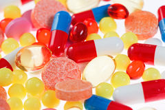 Comprimidos, tabuletas e close up das drogas Imagens de Stock Royalty Free
