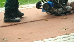 Comprimindo a superfície de estrada video estoque