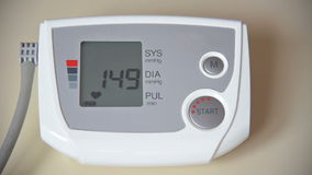 Comprobación de la presión arterial y del pulso metrajes
