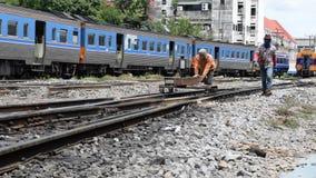 Comprobación de las pistas de ferrocarril almacen de video