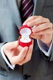 Compromiso Ring In Hands Foto de archivo libre de regalías