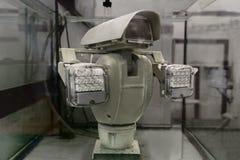 Compruebe para saber si hay la cámara de vídeo resistente de agua en el banco de pruebas Foto de archivo libre de regalías
