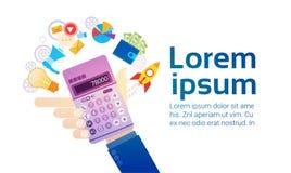 Comptable bancaire de Hand Hold Calculator d'homme d'affaires Photographie stock libre de droits