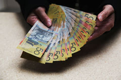 Comptant l'Australien 50 billets d'un dollar Image stock