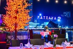 Compte à rebours à la nouvelle année sur Pattaya Images libres de droits