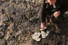 Compte de l'argent comptant au sol Images stock