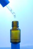 Compte-gouttes et flacon médicaux photo libre de droits