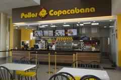 Compteur dans le restaurant Pollos Copacabana d'aliments de préparation rapide Photographie stock libre de droits